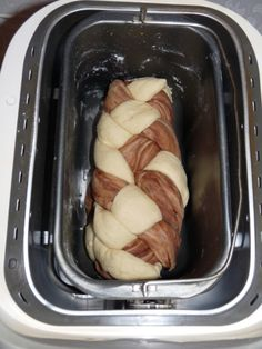 Dvojfarebná vianočka z domácej pekárne (fotorecept) - recept French Toast, Breakfast, Food, Basket, Morning Coffee, Essen, Meals, Yemek, Eten