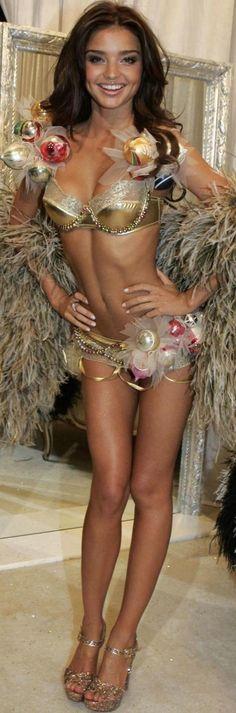 Miranda Kerr fashion show