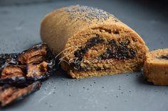 Švestkový závin Healthy Cake, Banana Bread, Paleo, Biscuits, Vegetarian Recipes, Pork, Pizza, Sweets, Baking