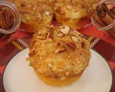 Muffins à la crème sure et à la cannelle Pate A Muffins, Dessert Minute, Muffin Recipes, Biscuits, Menu, Breakfast, Pains, Cupcakes, Food