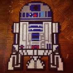 R2D2 Star Wars perler beads by bugzforlife