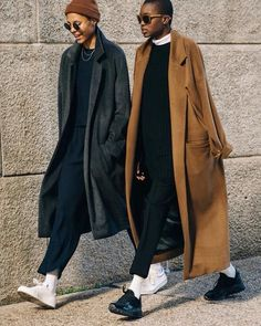 Pull On Track Pant - Brown Pull On Track Pant – Red Brown Pull On Track Pant – - Brown Pull On Track Pant - Brown Pull On Track Pant – Red Brown Pull On Track Pant – - The complete Ami Fall 2018 Menswear fashion show now on Vogue Runway. Street Style Vintage, Look Street Style, Street Looks, Street Style Women, Street Styles, Look Fashion, Winter Fashion, Fashion Outfits, Womens Fashion