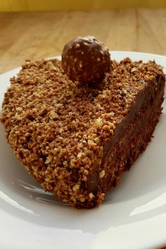 Yummy Snacks, Delicious Desserts, Yummy Food, Cupcake Recipes, Cupcake Cakes, Ferrero Rocher Cupcakes, Hazelnut Recipes, Torte Cake, Pastel