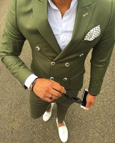 Green #doublebreasted suit by @yusufmakk [ http://ift.tt/1f8LY65 ]