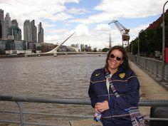 Ella, en Puerto Madero, Buenos Aires, Argentina.