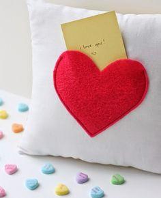 Cojín de san Valentin con mensaje oculto ~ Solountip.com