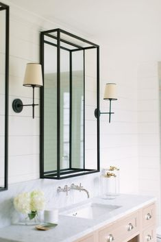 32 Best Shower Tile Ideas That Will Transform Your Bathroom - The Trending House Modern White Bathroom, Modern Bathroom Design, Modern Bathrooms, Master Bathrooms, Beautiful Bathrooms, Wood Bathroom, Small Bathroom, Bathroom Ideas, Bathroom Vanities