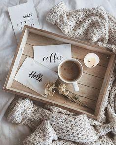 44 Ideas for breakfast photography inspiration coffee Coffee And Books, Coffee Love, Coffee Art, Coffee Break, Morning Coffee, Coffee Cups, Coffee In Bed, Coffee Shop, Coffee Mornings