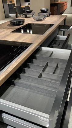 Kitchen Room Design, Luxury Kitchen Design, Kitchen Cabinet Design, Home Decor Kitchen, Interior Design Kitchen, Luxury Kitchens, Modern Kitchen Cabinets, Kitchen Island With Drawers, Pantry Design