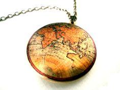 Medallón mapamundi para no perdernos  en el camino, por LoLoMio