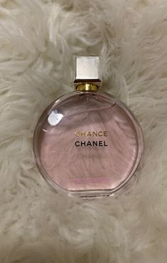 Chance EAU Tendre by Chanel. Search your favorite parfums in our niche collection. Perfume Scents, Fragrance Parfum, Perfume Bottles, Pink Perfume, Parfum Victoria's Secret, Expensive Perfume, Parfum Chanel, Bath And Body Works Perfume, Chance Chanel