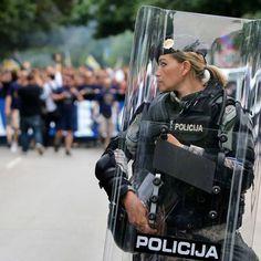 STRANGE POLICE PIXS - RIOT SQUAD HOTTIE!