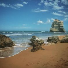 What an ugly beach #12apostles #greatoceanroad by adamlagrou http://ift.tt/1ijk11S