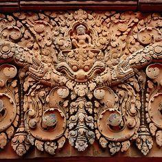 Carvings of Banteay Srei, I