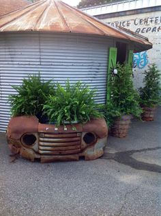 ford front end planter Industrial Garden Home Decor Project Idea | Project Difficulty: Medium | Maritime Vintage.com
