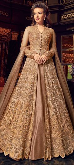 Green Embroidered Lehenga / Pant Style Anarkali features a premium net top with embroidery. Comes with banglory silk bottom and santoon inner with premium net dupatta. Indian Gowns Dresses, Indian Fashion Dresses, Pakistani Dresses, Indian Outfits, Flapper Dresses, Costumes Anarkali, Anarkali Dress, Long Anarkali, Anarkali Suits