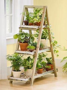 DIY – Escadas de madeira e suas 1001 utilidades na decoração e organização de ambientes. - Blog Midá