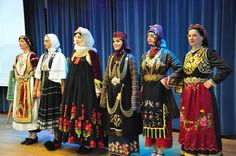 Thessalia traditional costumes Greek Traditional Dress, Kai, Greece, Costumes, Fashion, Greece Country, Moda, Dress Up Clothes, La Mode