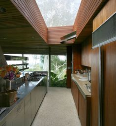 Sheats Goldstein House by John Lautner | http://www.yellowtrace.com.au/sheats-goldstein-house-john-lautner/