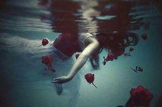 sad broken girl 💔