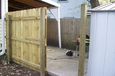 Building a Fence Gate: I provide a basic overview of building a wooden gate for a privacy fence. Wooden Farm Gates, Building A Wooden Gate, Building A House, Diy Gate, Diy Fence, Backyard Fences, Iron Gates, Fence Panels, Dog Houses