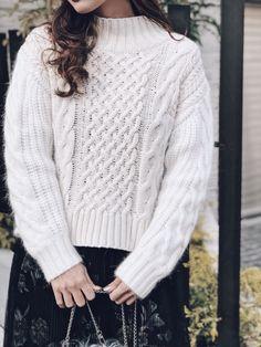 2種類の糸を組み合わせたテクニックKNIT Turtle Neck, Pullover, Sweaters, Outfits, Fashion, Moda, Suits, Fashion Styles, Sweater