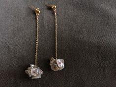 ケシパールのブーケピアス Gold Necklace, My Style, Earrings, Accessories, Jewelry, Outfits, Fashion, Jewels, Ear Rings