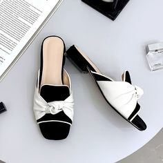 Shop women fashion shoes at Chiko Shoes. Inspired by street style and runway, Chiko offers a variety of women shoes to catch the latest shoes in fashion. Women's Shoes Sandals, Shoe Boots, Women Sandals, Flat Sandals, Shoes Women, Chunky Heels Outfit, Chelsea Ankle Boots, Heels Outfits, Dream Shoes