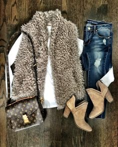 Check out our big variety of Women's Vest such as puffer vest, down vest, quilted vest from top-rated. Vest Outfits For Women, Fur Vest Outfits, Warm Outfits, Mode Outfits, Fall Winter Outfits, Autumn Winter Fashion, Clothes For Women, Outfit Jeans, Fashion Outfits