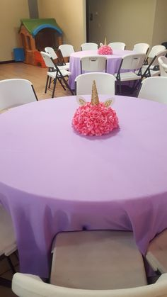 baby shower centerpieces: This person should certainly tote around all of your gear. They may be able to help round up family for group portraits. Unicorn Birthday Parties, Unicorn Party, Birthday Party Decorations, Bday Girl, 1st Birthday Girls, Birthday Ideas, Baby Shower Themes, Baby Shower Decorations, Shower Centerpieces