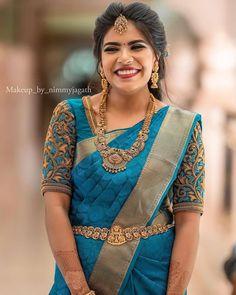 Wedding Saree Blouse Designs, Half Saree Designs, Fancy Blouse Designs, Blouse Neck Designs, Wedding Blouses, Indian Bridal Outfits, Indian Bridal Fashion, South Indian Bride Saree, Saree Trends