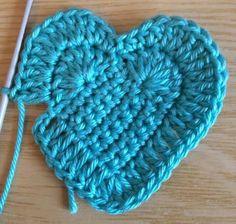 ideas crochet heart stitch hat yarns for 2019 Crochet Motif, Crochet Flowers, Crochet Stitches, Crochet Baby, Free Crochet, Knit Crochet, Crochet Patterns, Crochet Hearts, Yarn Projects