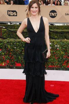 723a430f29 Kathryn Hahn SAG Red Carpet Black V Neckline Prom Dress