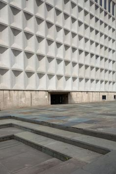 COS | Things | Marcel Breur