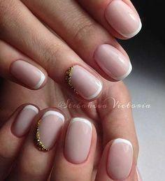 30 Stylish White French Tip Nails #naildesignideaz #naildesign #nailart #whitefrenchtipnails ♥ If you enjoyed my pin, pls visit us at http://naildesignideaz.com/ ♥