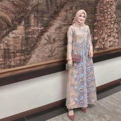 Model Dress brukat untuk lebaran 2020 – ND Dress Brokat Muslim, Dress Brokat Modern, Dress Pesta, Muslim Dress, Hijab Gown, Hijab Dress Party, Hijab Style Dress, Dress Brukat, Batik Dress