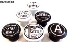 Retro-Black-and-White-Custom-Knobs