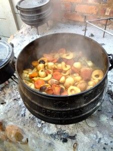 A Potjie pot is a big part of South African cooking. Can't wait to get mine! Barbecue Recipes, Grilling Recipes, Cooking Recipes, Dutch Oven Uses, South African Recipes, Outdoor Cooking, Food Preparation, The Best, Dishes