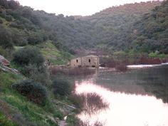 Molino en el río Almonte.