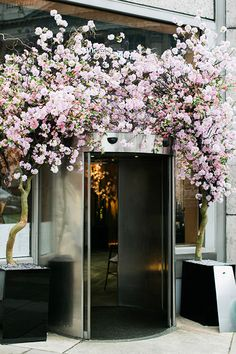 Cherry blossom decor via Park and Cube Cherry Blossom Decor, Cherry Blossoms, Sag Harbor New York, Sake No Hana, Blossom Restaurant, Matcha Cafe, Blossom Garden, Cherry Flower, Beauty Salon Decor