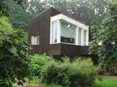Alvar Aalto, 1970 - Villa Skeppet, aka The Ship, aka Villa Goran Schildt… Interesting Buildings, Beautiful Buildings, Modern Exterior, Interior And Exterior, Bauhaus, Alvar Aalto, Unusual Homes, Beautiful Villas, My Dream Home