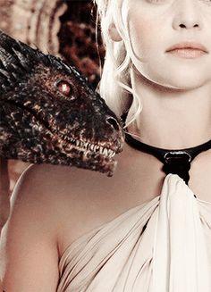 "Game of Thrones: ""Daenerys Targaryen"" Game Of Thrones Dragons, Got Dragons, Got Game Of Thrones, Game Of Thrones Quotes, Emilia Clarke, Sansa Stark, Khaleesi, Daenerys Targaryen, Familia Targaryen"