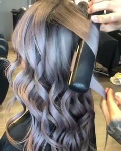 Flat Iron Curles Curls have never been easier! Hair Curling Tips, Curl Hair With Straightener, Hair Curling Tutorial, Curling Iron Hairstyles, Curls For Long Hair, Easy Hairstyles For Long Hair, Office Hairstyles, Anime Hairstyles, Stylish Hairstyles