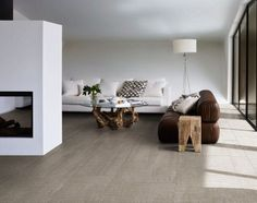 Large-Format Porcelain Tiles in a Slimline