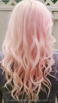 Omg I really want to dye my hair pastel pink now after looking at a bunch of photos