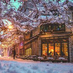 """ISTANBUL. İstanbul güzel oldu böyle ya❄️ """"Kardan bıktık"""" klişesine girmeyiniz, şu havada Kaputaş plajı paylaşamam #karaköy #sonyalpha"""