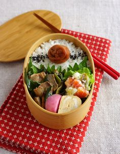 Soy-simmered tuna bento/マグロの生姜煮弁当