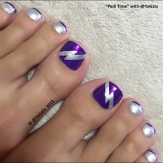 Lightning Bolt by Yagala from Nail Art Gallery
