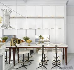 Mix and Chic: A decorator's chic and luxurious Manhattan apartment!