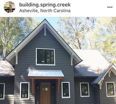 white trim with black windows Grey Siding House, House Paint Exterior, Exterior Paint Colors, Exterior Siding, Exterior House Colors, Bungalow Exterior, Siding Colors, Roof Colors, Exterior Remodel